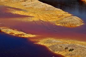 Luoghi segreti a due passi da roma (3) - Il lago rosso nella cava della solfatara di Pomezia