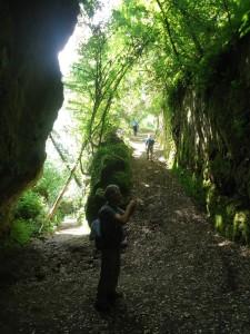 L'avventura senza guide escursionistiche - la tagliata di Castello d'Ischia