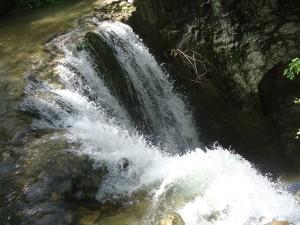 luoghi segreti a due passi da Roma le cascate all'inizio della forra del Corese