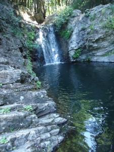 la cascata nella roccia