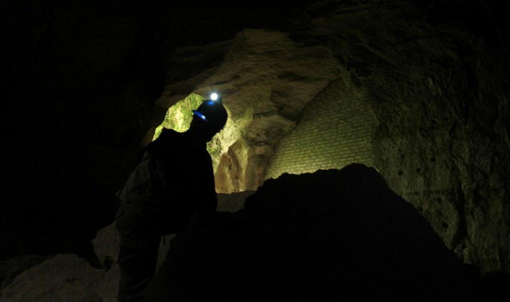 nelle cave di Grotta Oscura