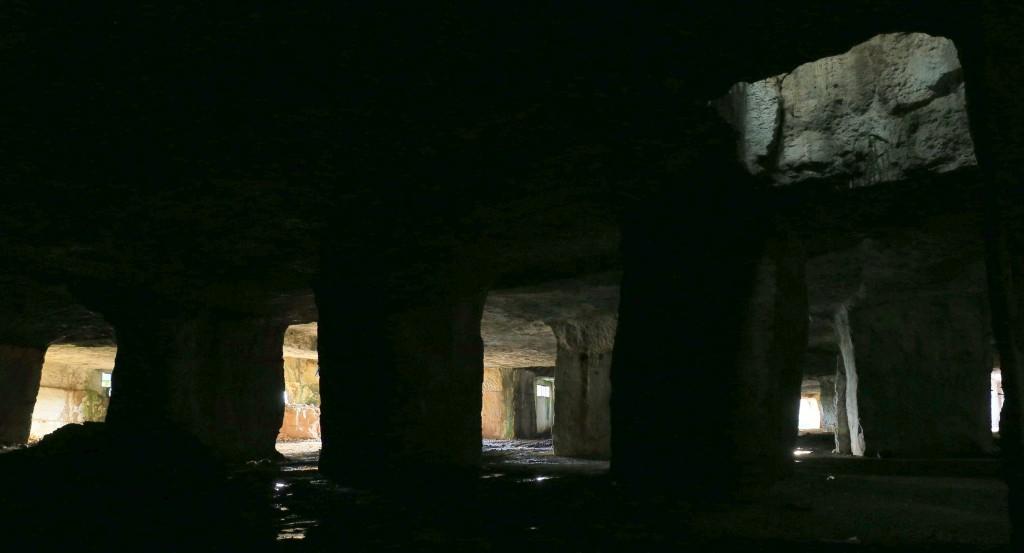 I luoghi segreti di Andreas Schatzmann - la collina sospesa delle Cave di Salone - foto di M. Keller.