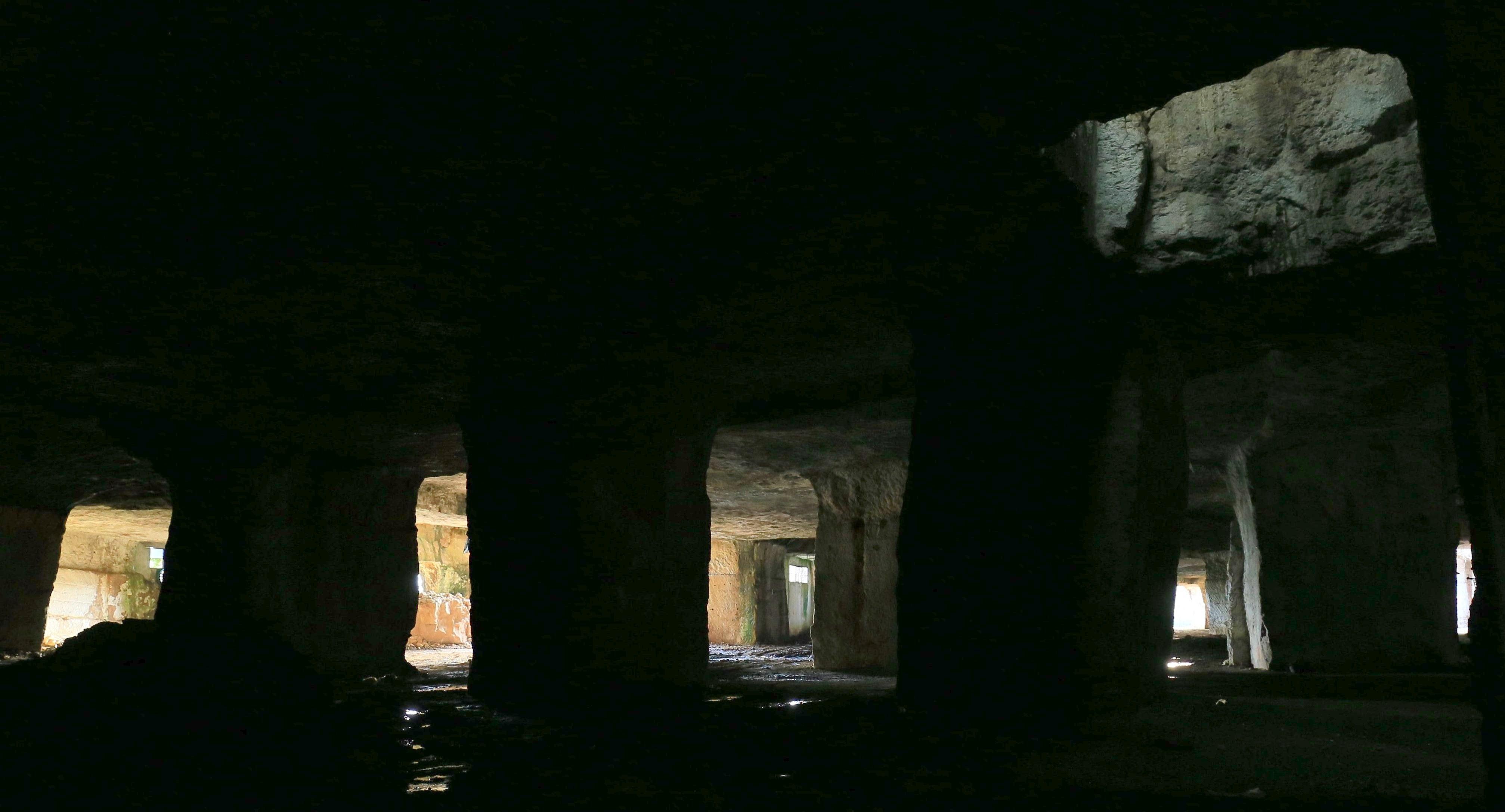 la seconda guida sui luoghi segreti - cave di Salone - foto di Andreas Schatzmann - Le Cave di Salone - foto di A.Schatzmann