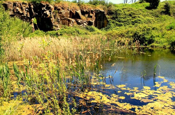 il Lago di Vallerano all'interno della cava di selce