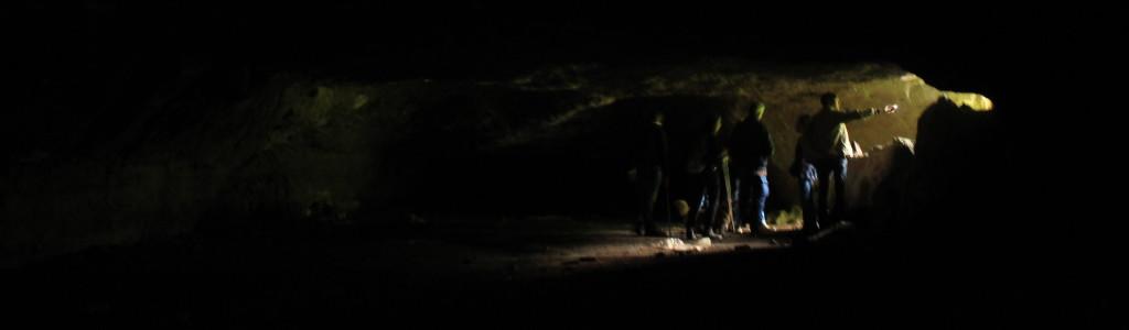 all'interno delle Cave del Fosso del Drago