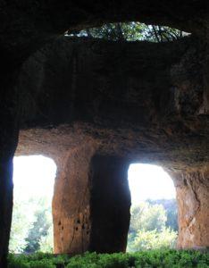 ambienti grandiosi fra le cave di Salone