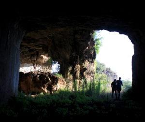 all'interno della collina scavata nelle cave di Salone
