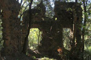 Un luogo segreto - ruderi presso S. Angelo in Lacu