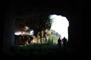 si esce dalla collina sospesa delle Cave di Salone