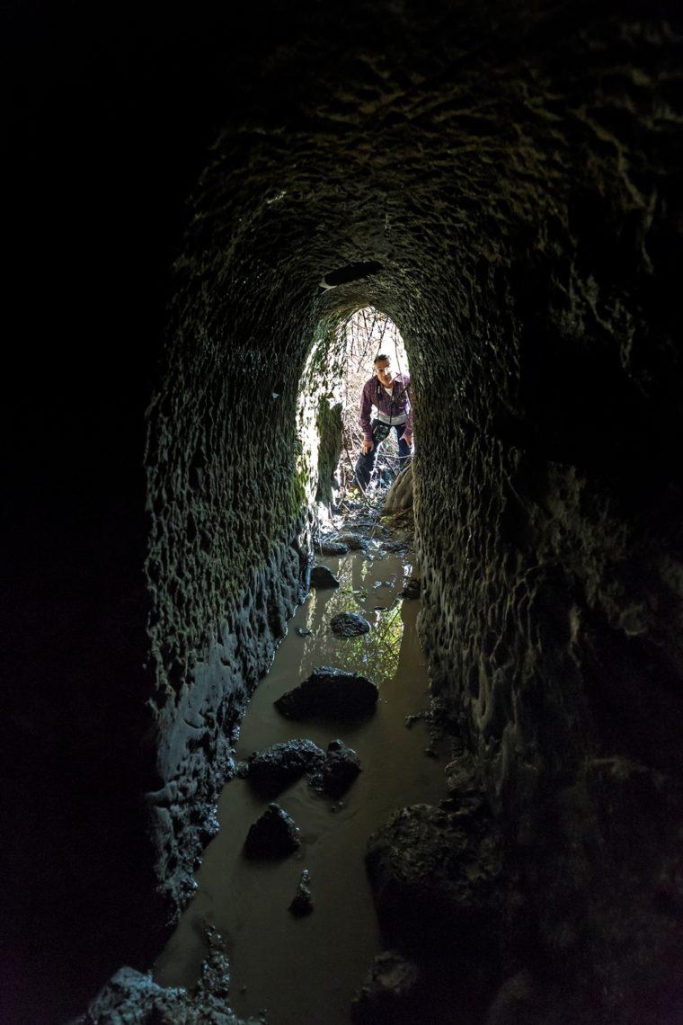 avventura a chilometro zero all'interno dell'acquedotto sottostante l'eremo di S.Silvesto - foto di Giovanni Giuliani