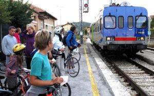segreti in treno vicino Roma - fermata sopra la cascata delle Marmore