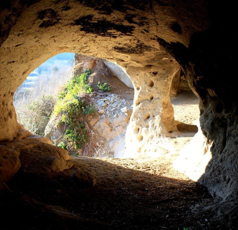 Introduzione alla terza guida dei luoghi segreti a due passi da Roma - La grotta di Grottarossa