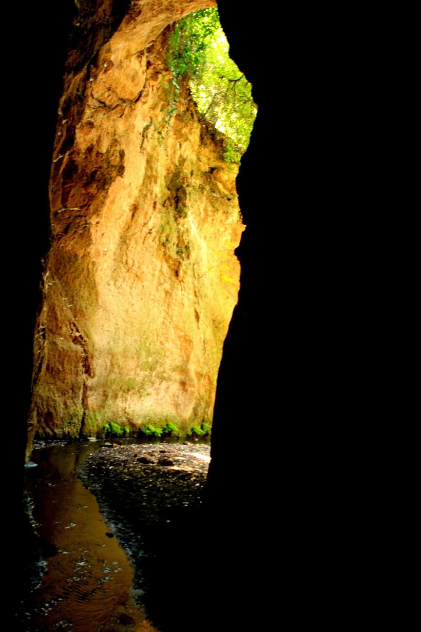 Conoscere luoghi sconosciuti del Lazio - lil fiume esce dalle cave del fosso del Drago