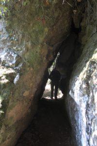 una delle sei gallerie lungo il sentiero che costeggia la destra orografica di vallone Tempesta