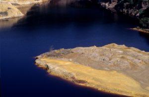 vista dall'alto dei laghi della solforata di Pomezia