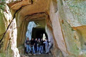 escursione organizzata - nelle gallerie di Pietra Pertusa - foto di M. Intini