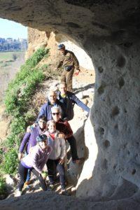 escursione organizzata - nella grotta di Grottarossa
