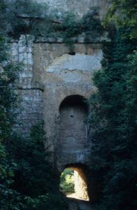 i ventuno luoghi segreti dentro Roma - il Ponte Lupo