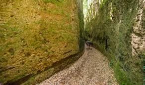 luoghi esotici vicino Roma - Via Cava presso Sorano