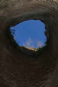 Il pozzo sotto Belmonte visto dal basso - Castelnuovo di Porto