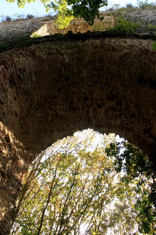 sotto gli Verso gli Archi di Boccalupo