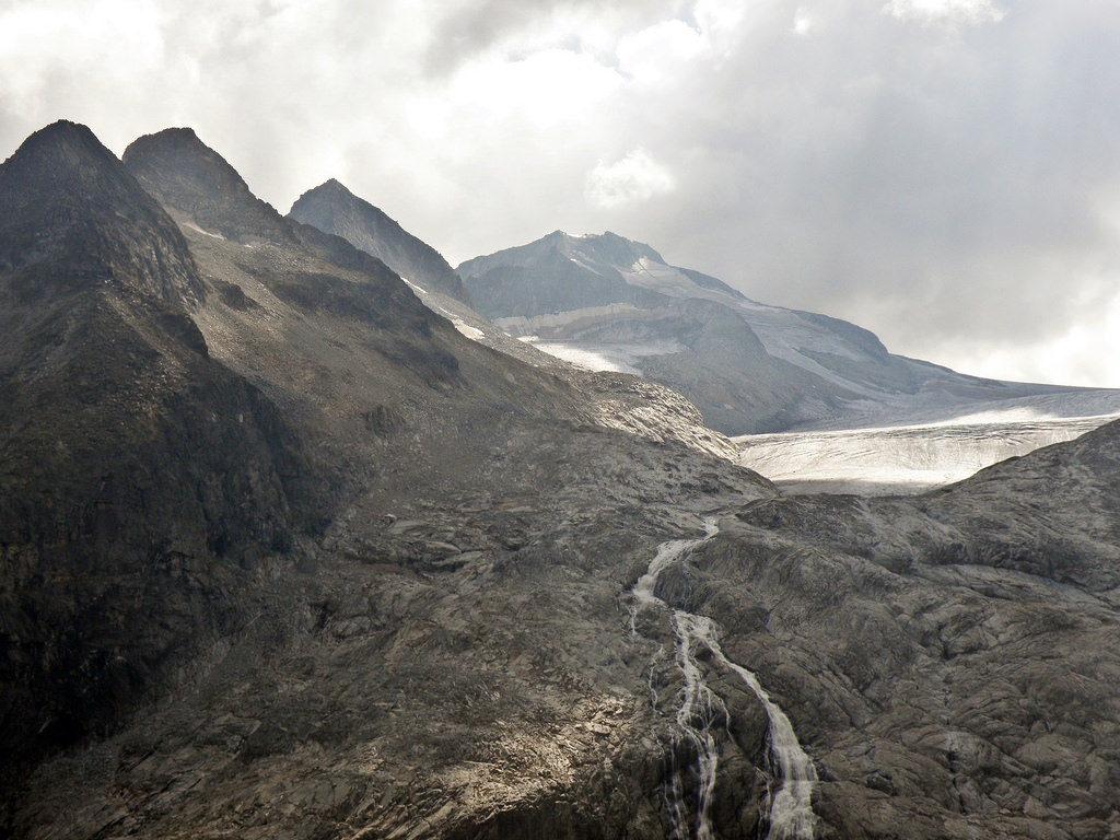 adamello senza ghiaccio - luoghi segreti e cambiamento climatico