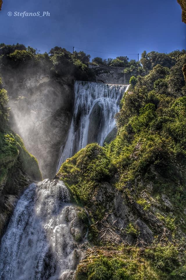 la cascata dell'Aniene vista dal basso foto di Stefano Serafiini
