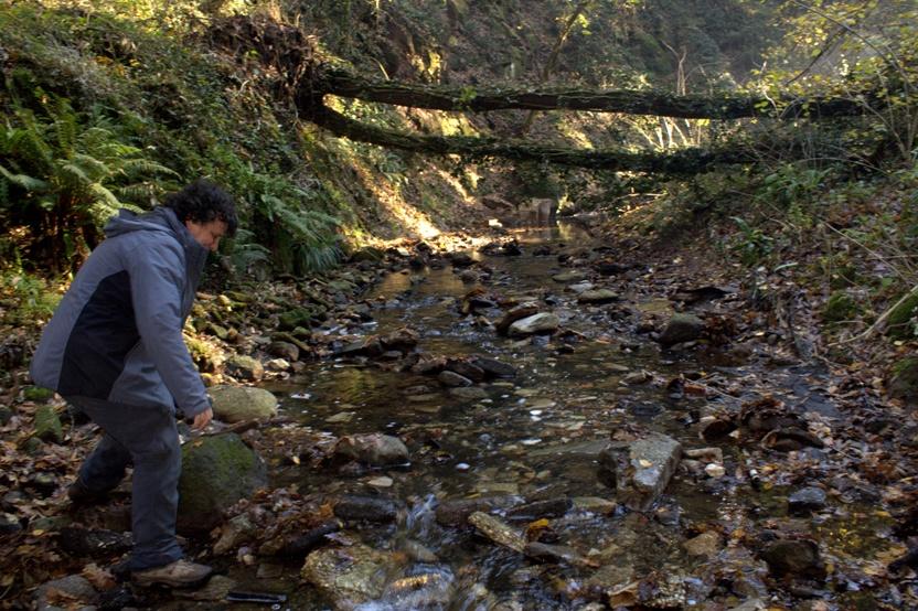 si guada in più riprese il fosso dell'Acqua Nera