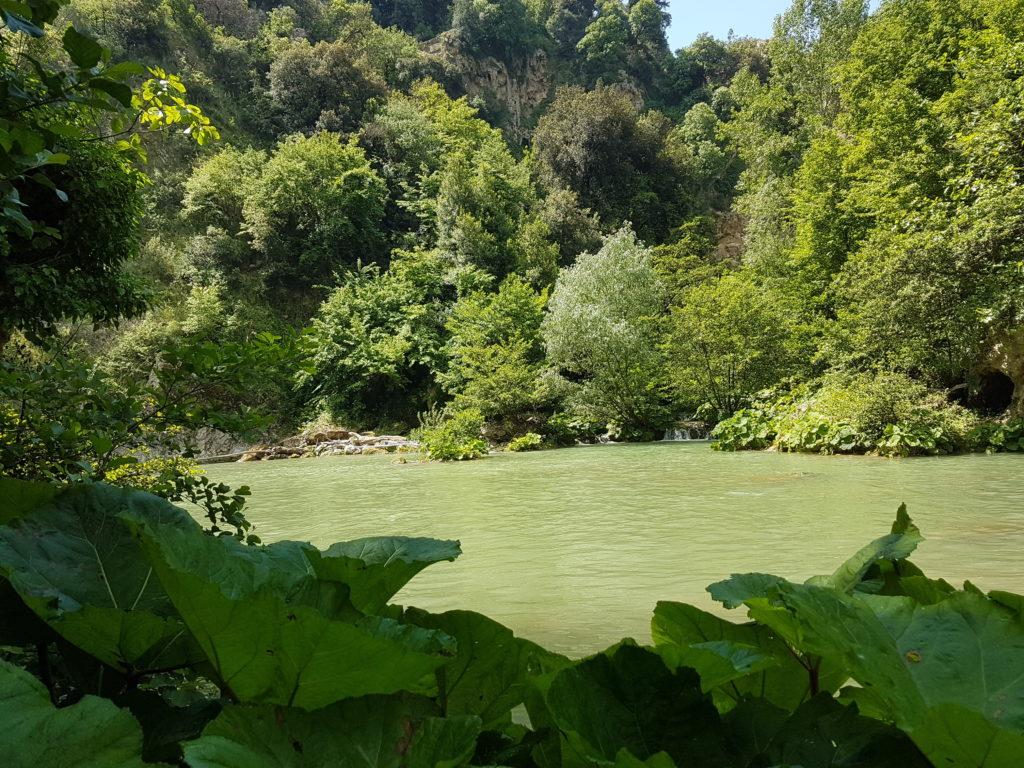 presso la cascata dell'Aniene dal basso - foto di L. Loreti