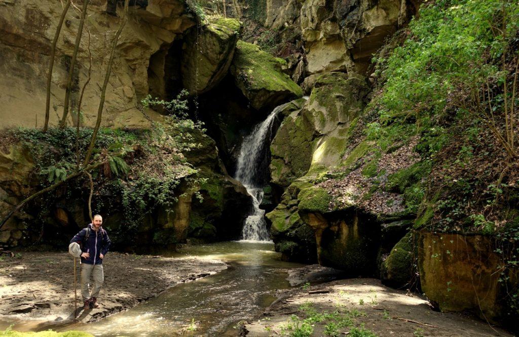 la cascata che termina l'acqua trekking nei dintorni di Roma lungo il Crèmera - di M. Bordini