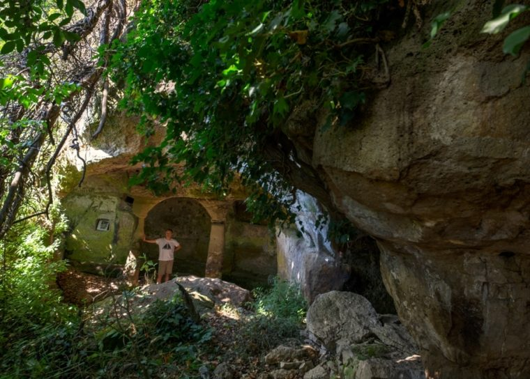 la grotta degli Angeli