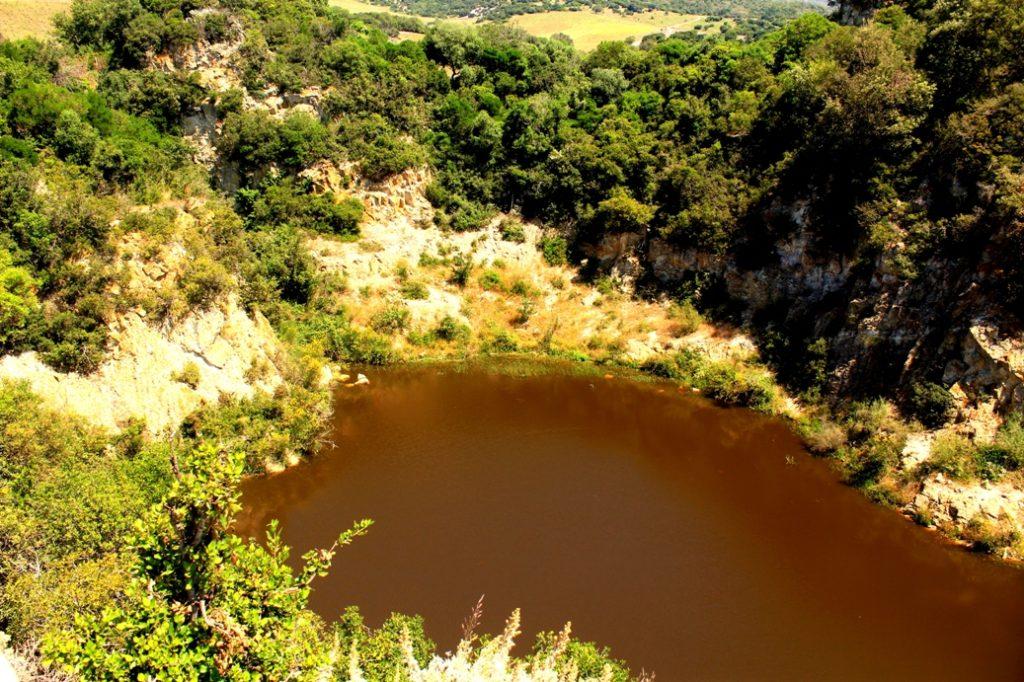 panorama sulla cava di caolino di Santa Severa e i monti della Tolfa