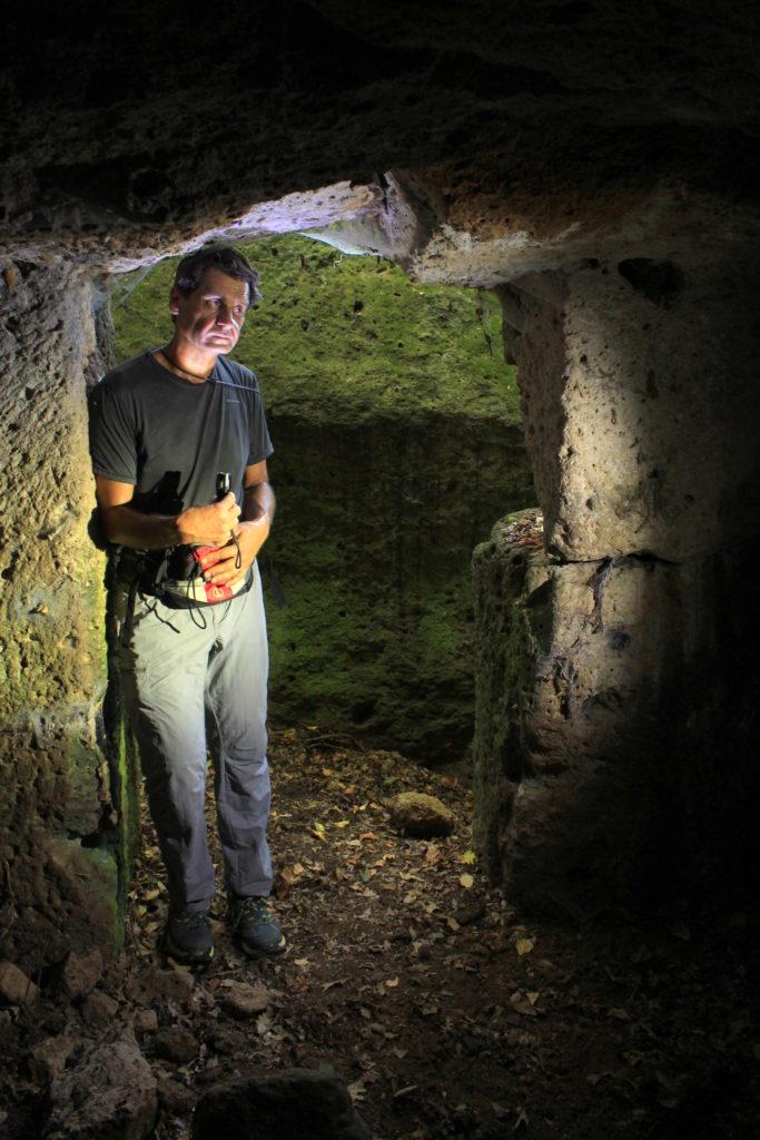 all'interno della grotta del brigante Rigo