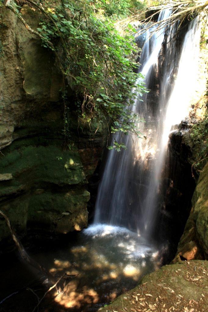 escursioni del 2020 ammirando la cascata dell'Olgiata