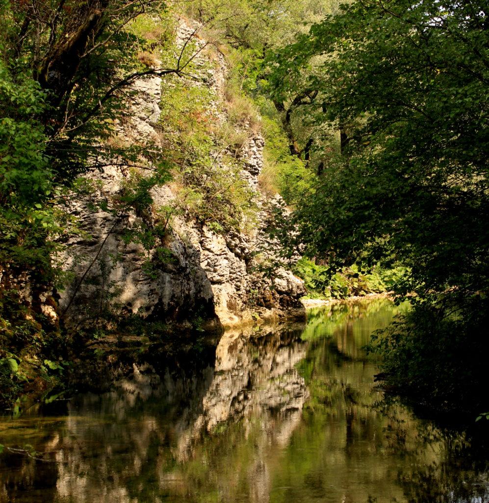 l'acqua trekking del Rio Petescia