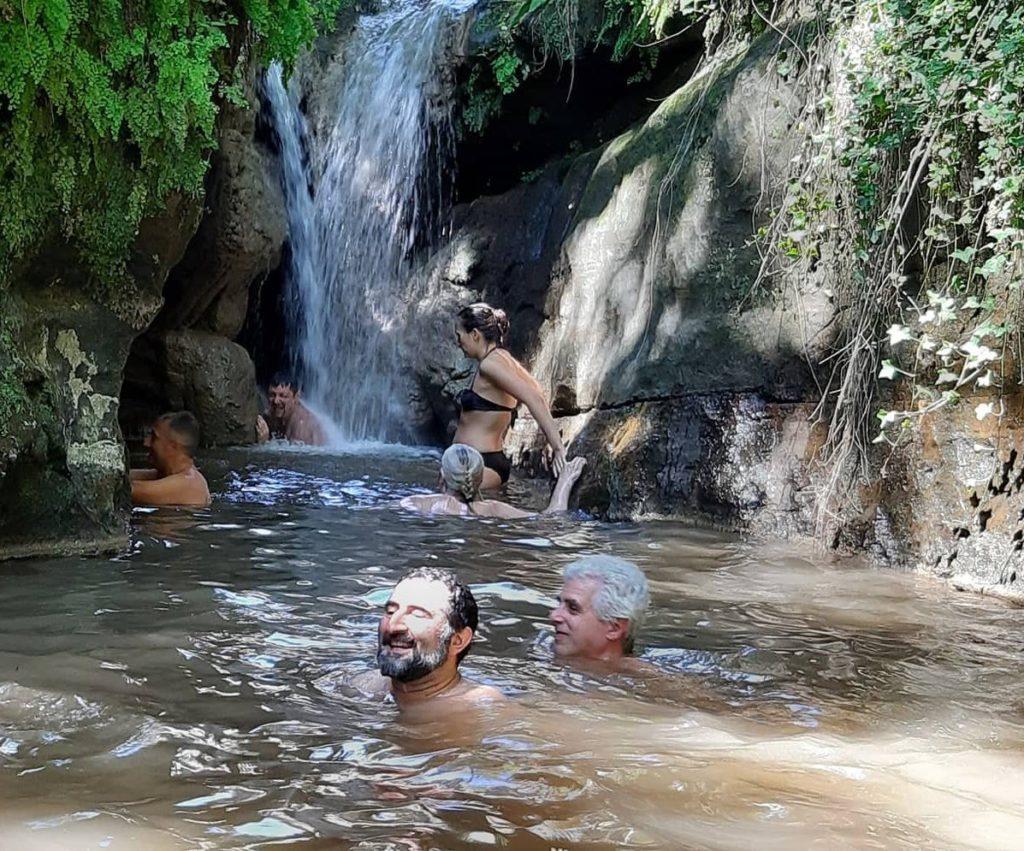 come cambiano le cascate - la cascata dell'Ogliararo il 3 agosto 2019