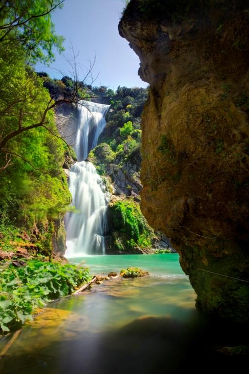 luoghi segreti e coronavirus - cascata presso Tivoli - e non fra le Alpi Svizzere (foto di G. Giuliani).