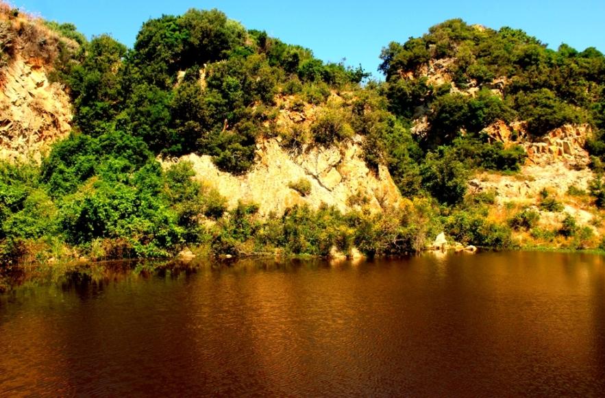 luoghi segreti e coronavirus - la cava di caolino di Santa Severa - e non l'Andalusia.