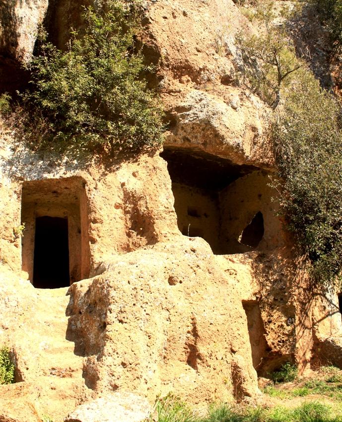 Coronavirus e Turismo di Comunità. Seconda parte. Le necropoli etrusche intorno a Barbarano Romano.
