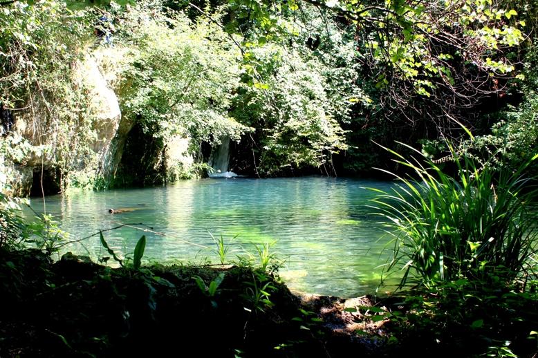 Il laghetto sotto Mola di Pance